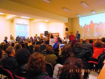 """Η αφηγήτρια Βιολλέτα Σολιδάκη συγκίνησε το κοινό με το παραμύθι """"Ελευθερίας Εγκώμιο"""""""
