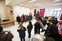 Κάλαντα της Πρωτοχρονιάς στη Δημοτική Αρχή Πετρούπολης από το τμήμα Φιλαρμονικής