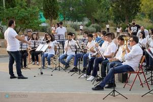 Ακόμη μια υπαίθρια συναυλία από τη Φιλαρμονική Ορχήστρα του Δήμου Πετρούπολης.