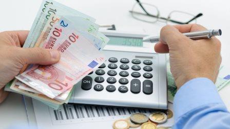 Έκτακτη ρύθμιση για βεβαιωμένες οφειλές έως 100 δόσεις στον Δήμο Πετρούπολης.